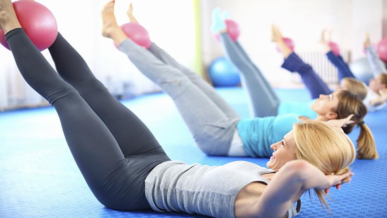 ¿Conoces la tabla básica de ejercicios de pilates?